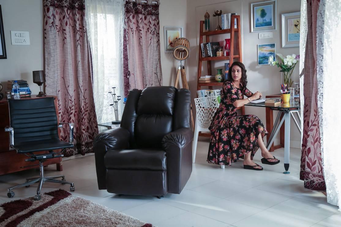 Maayavan actress lavanya pictures