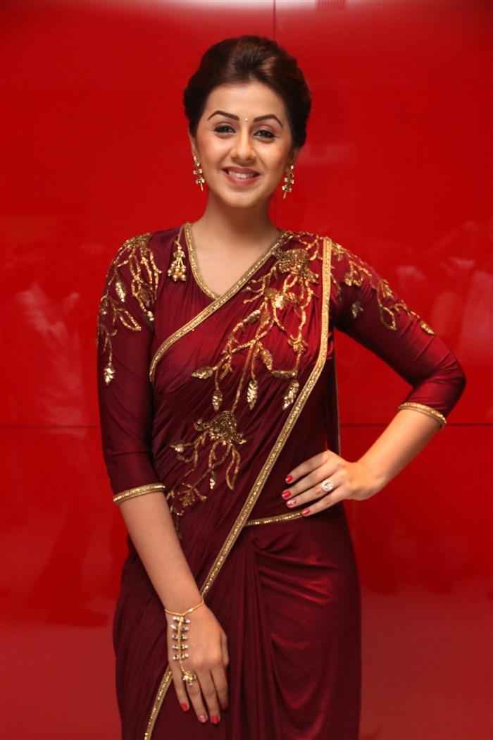 Nikki galrani dark red saree pictures