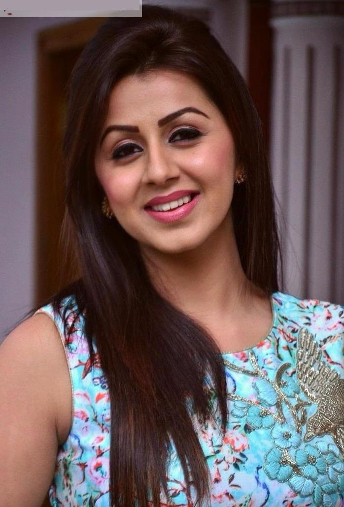 Nikki galrani fashion stills
