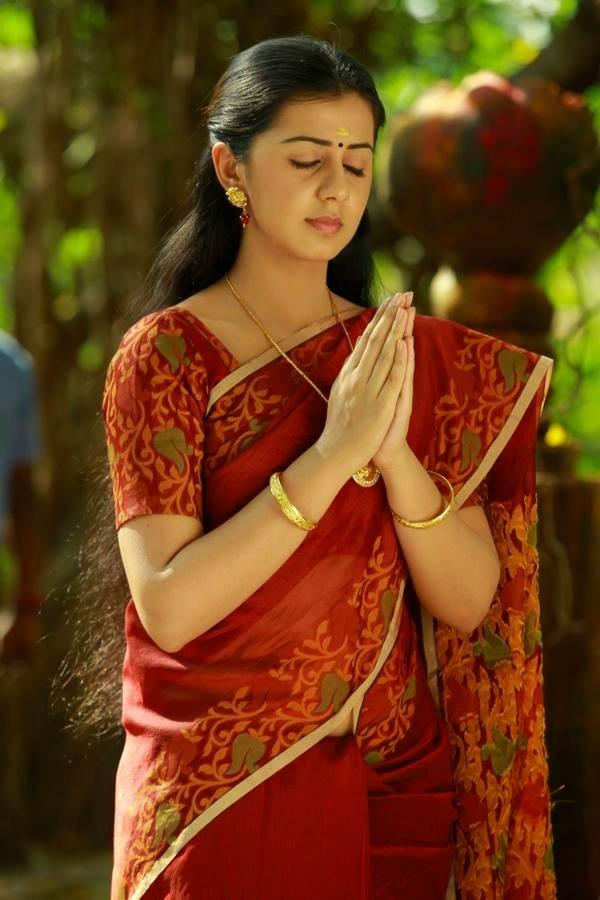 Nikki galrani light red saree pictures