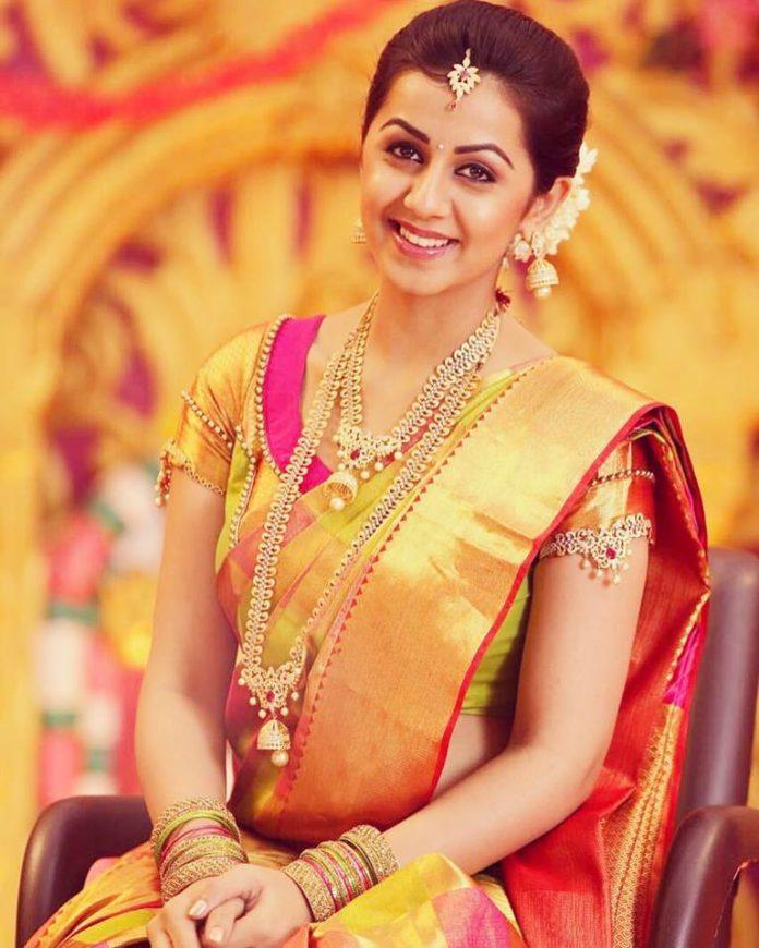 Nikki galrani yellow saree pictures