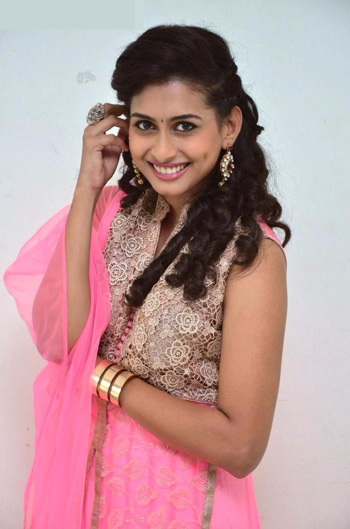Nithya naresh pink color dress pictures