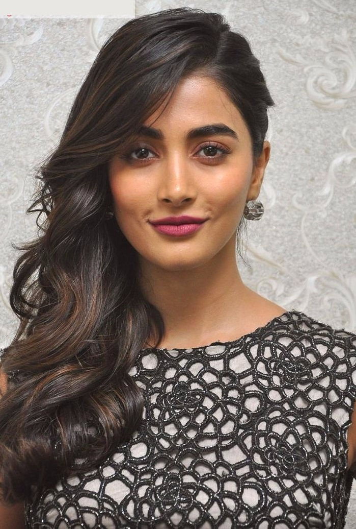 Pooja hegde black dress pictures