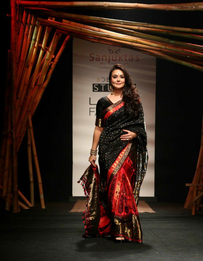 Preity zinta photoshoot in saree pics