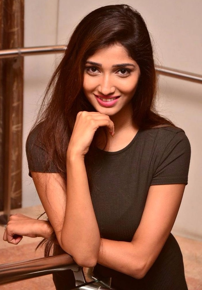 Priya vadlamani exclusive photos
