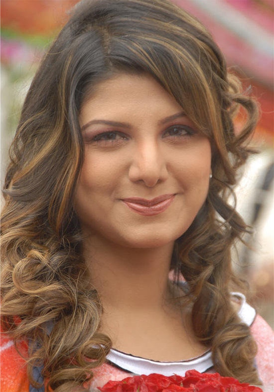 Rambha rolling hair style pictures