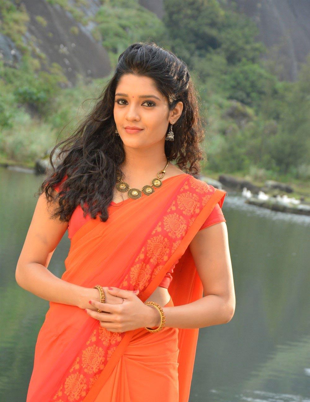 Ritika singh saree photos