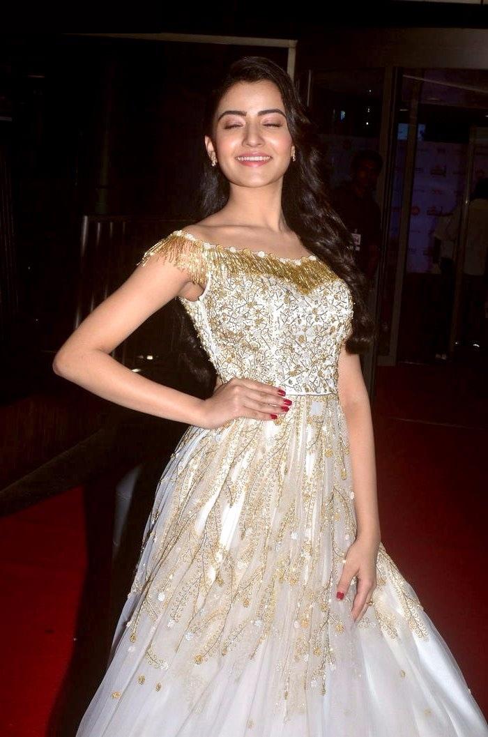 Rukshar mir white dress hot photos