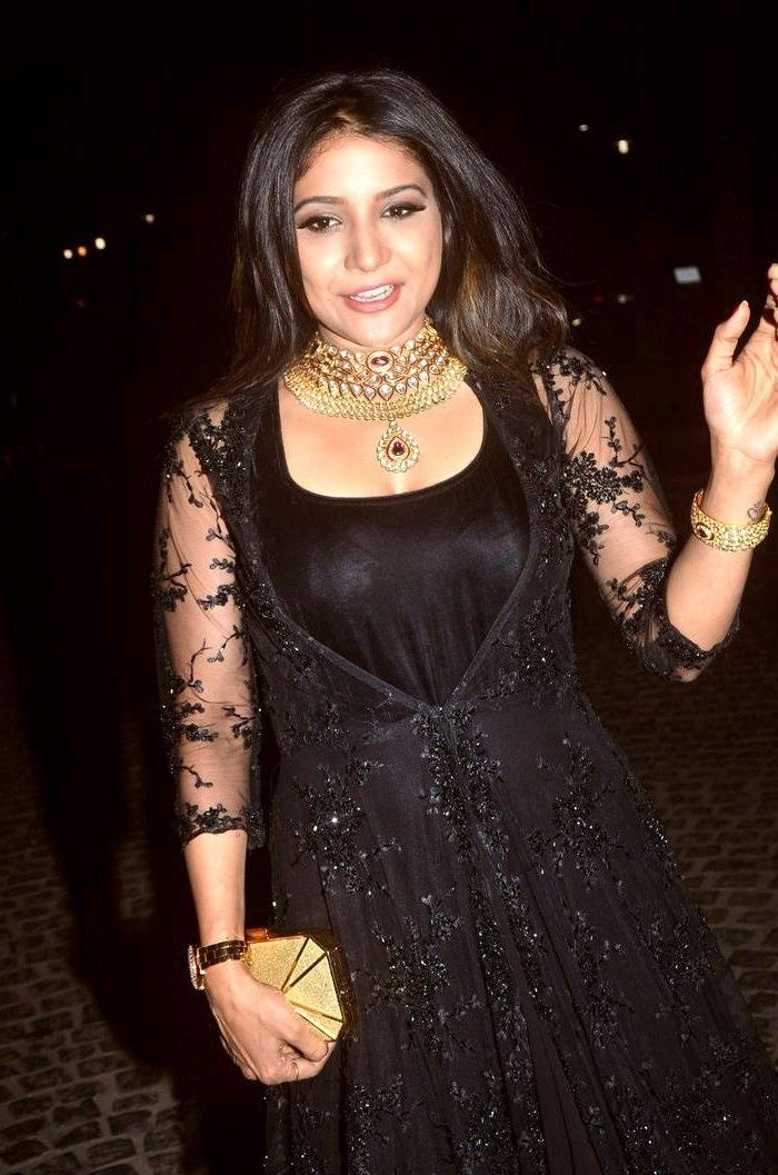 Sakshi agarwal black dress figure photos