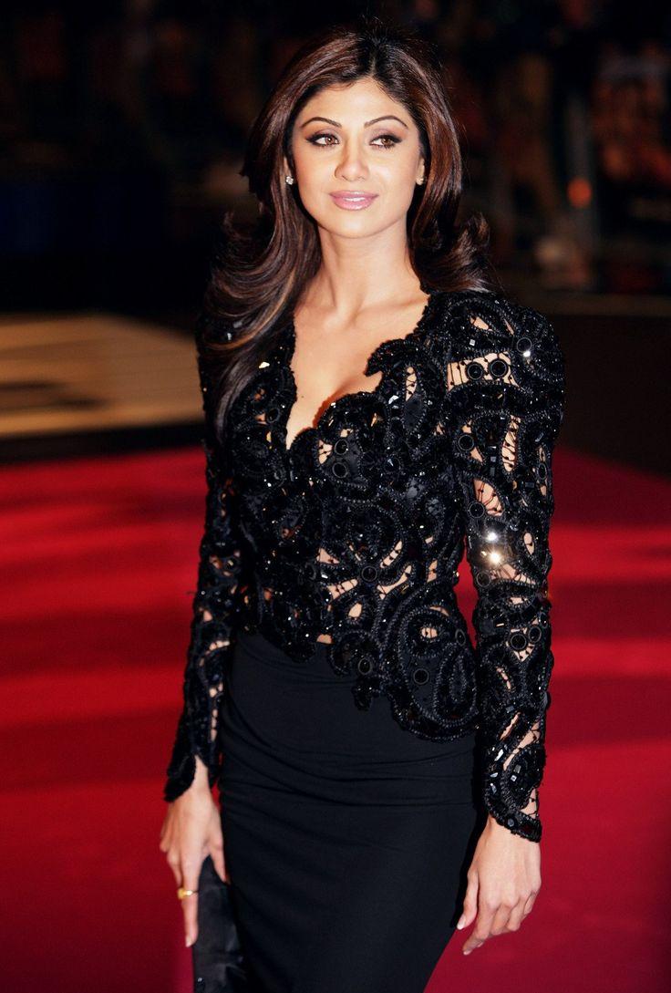 Shilpa shetty black color dress photos
