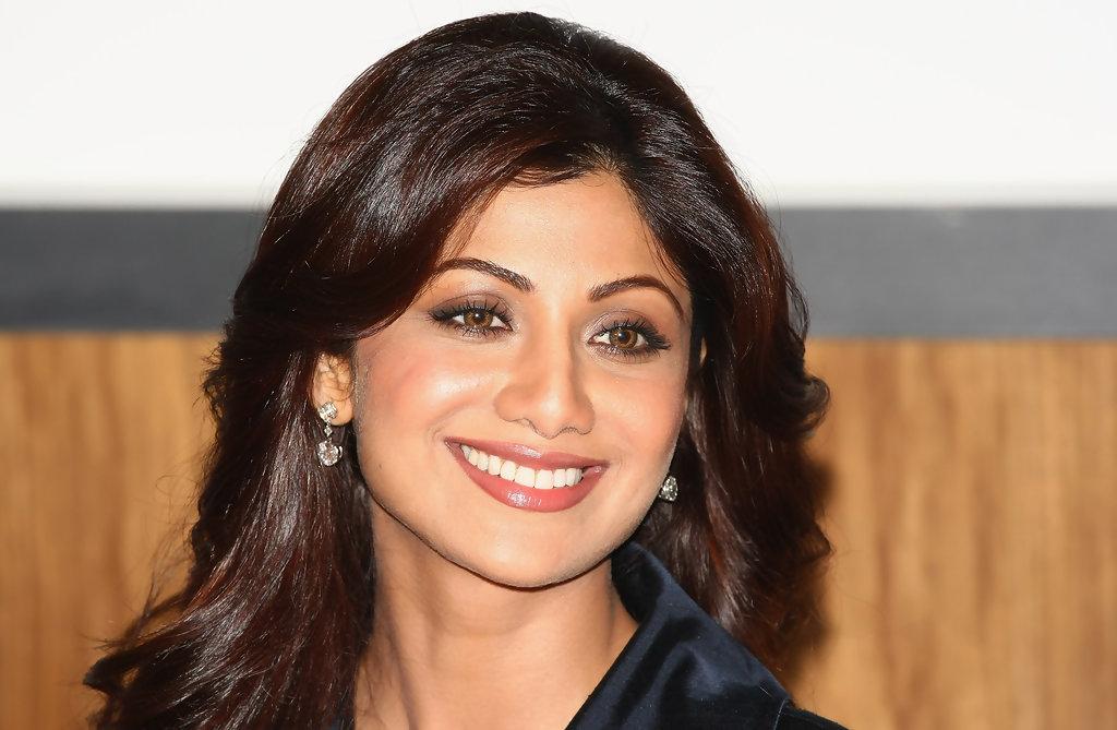 Shilpa shetty smile pics