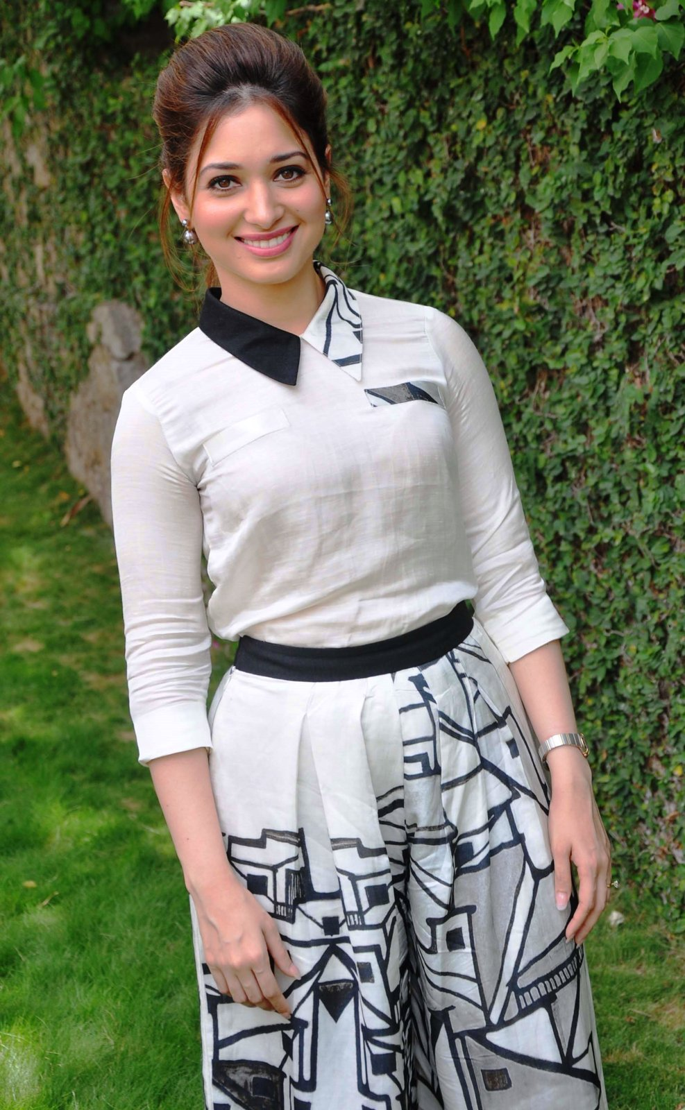 Tamannaah bhatia white dress pictures