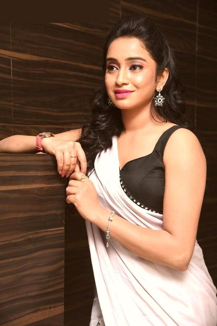 Vidya white saree hot hd pictures