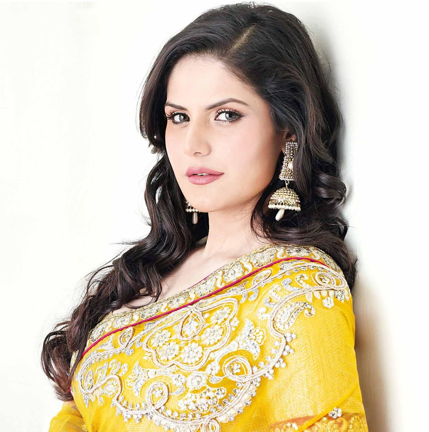 Zareen khan face pictures
