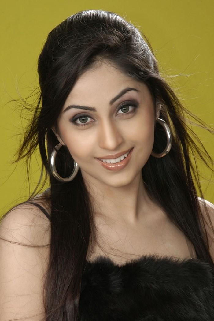 Aishwarya nag face pictures