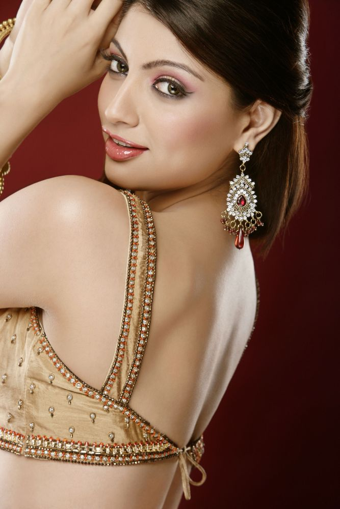 Akanksha puri backless photos