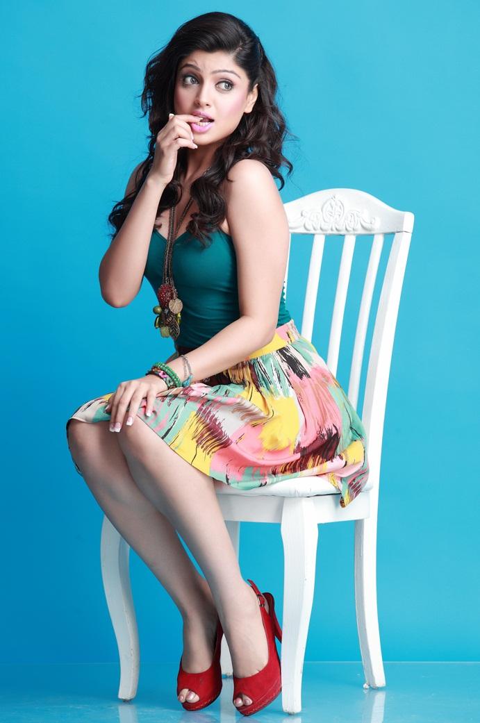 Akanksha puri photoshoot pics