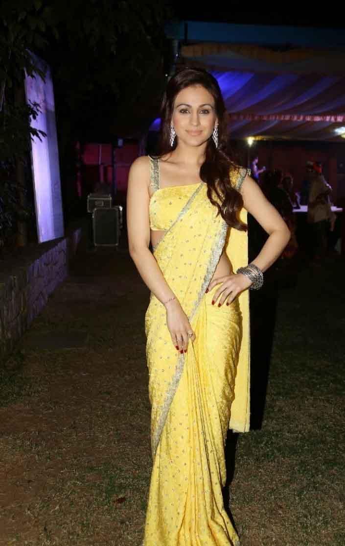 Aksha pardasany yellow saree pics