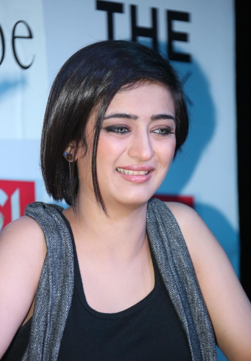 Akshara haasan face photos