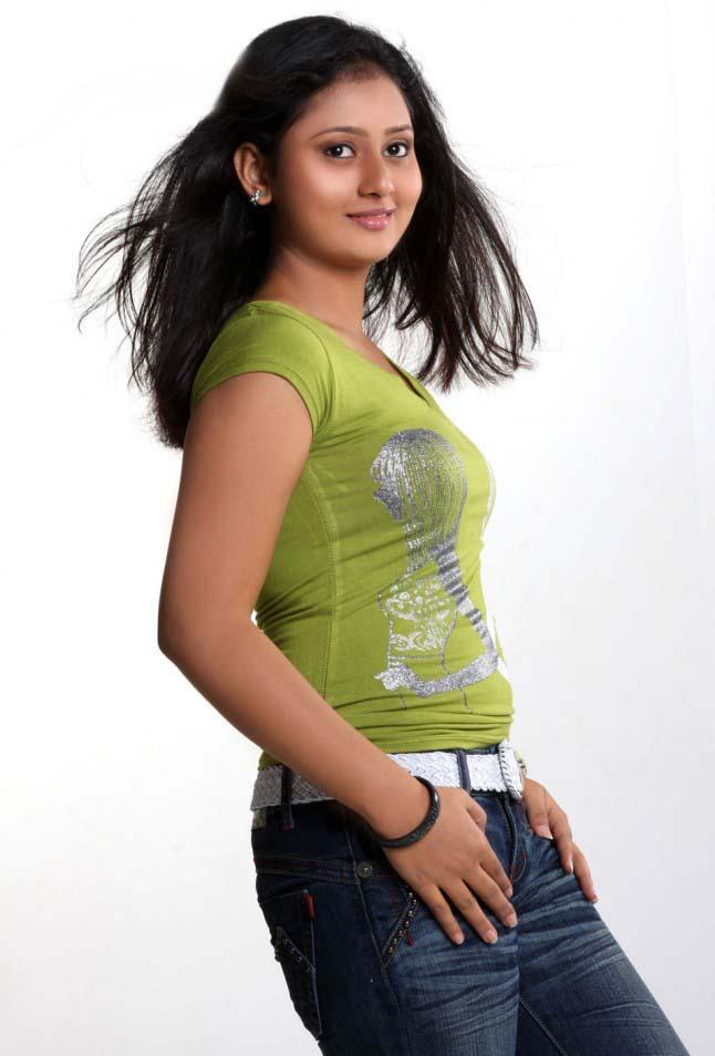 Amoolya photoshoot pics