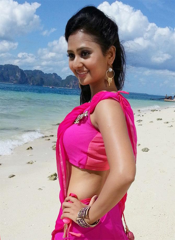Amoolya rose saree pictures