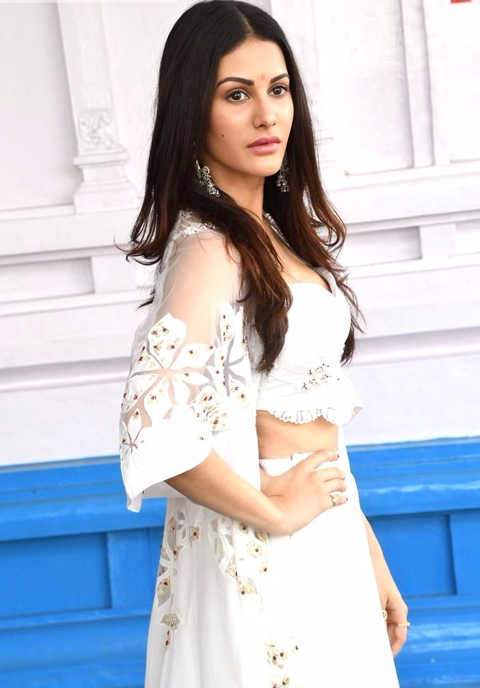 Amyra dastur white dress fashion wallpaper