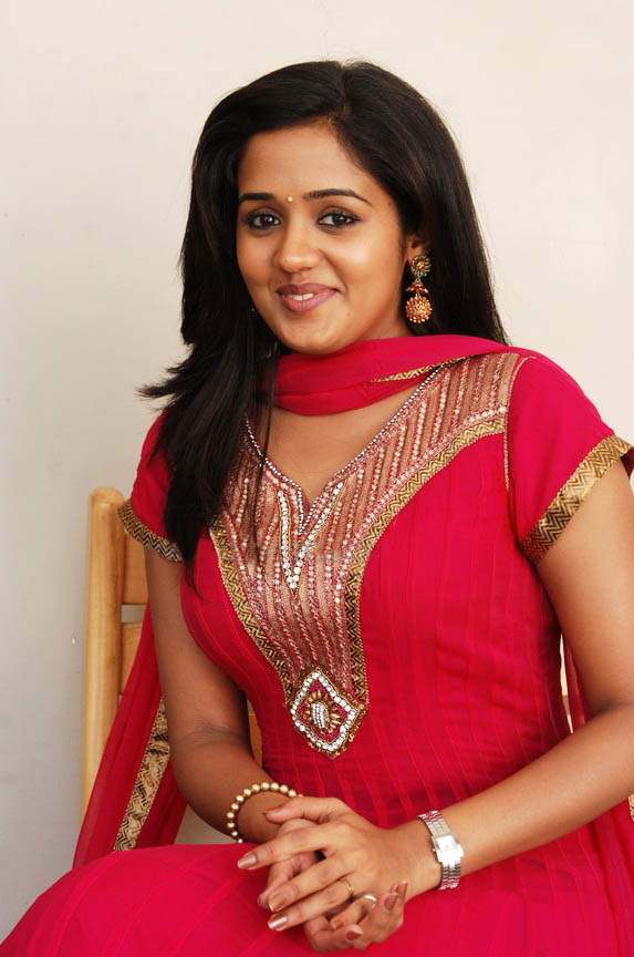 Ananya red dress photos
