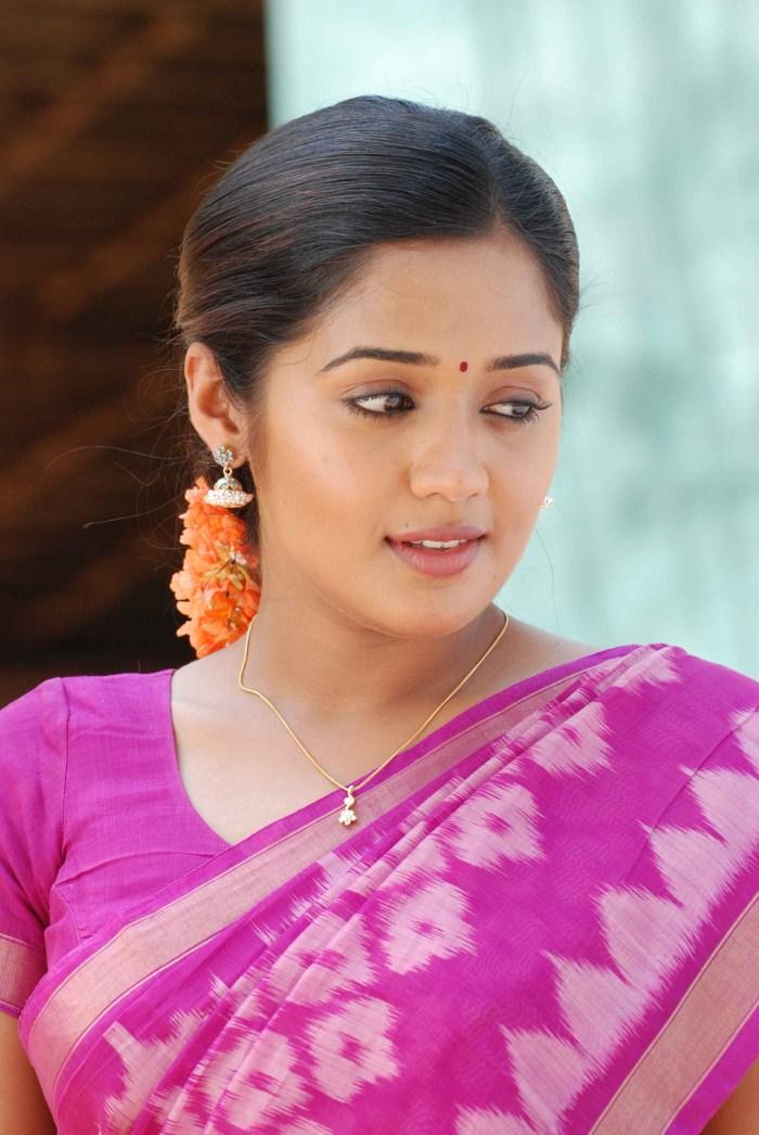 Ananya saree face photos