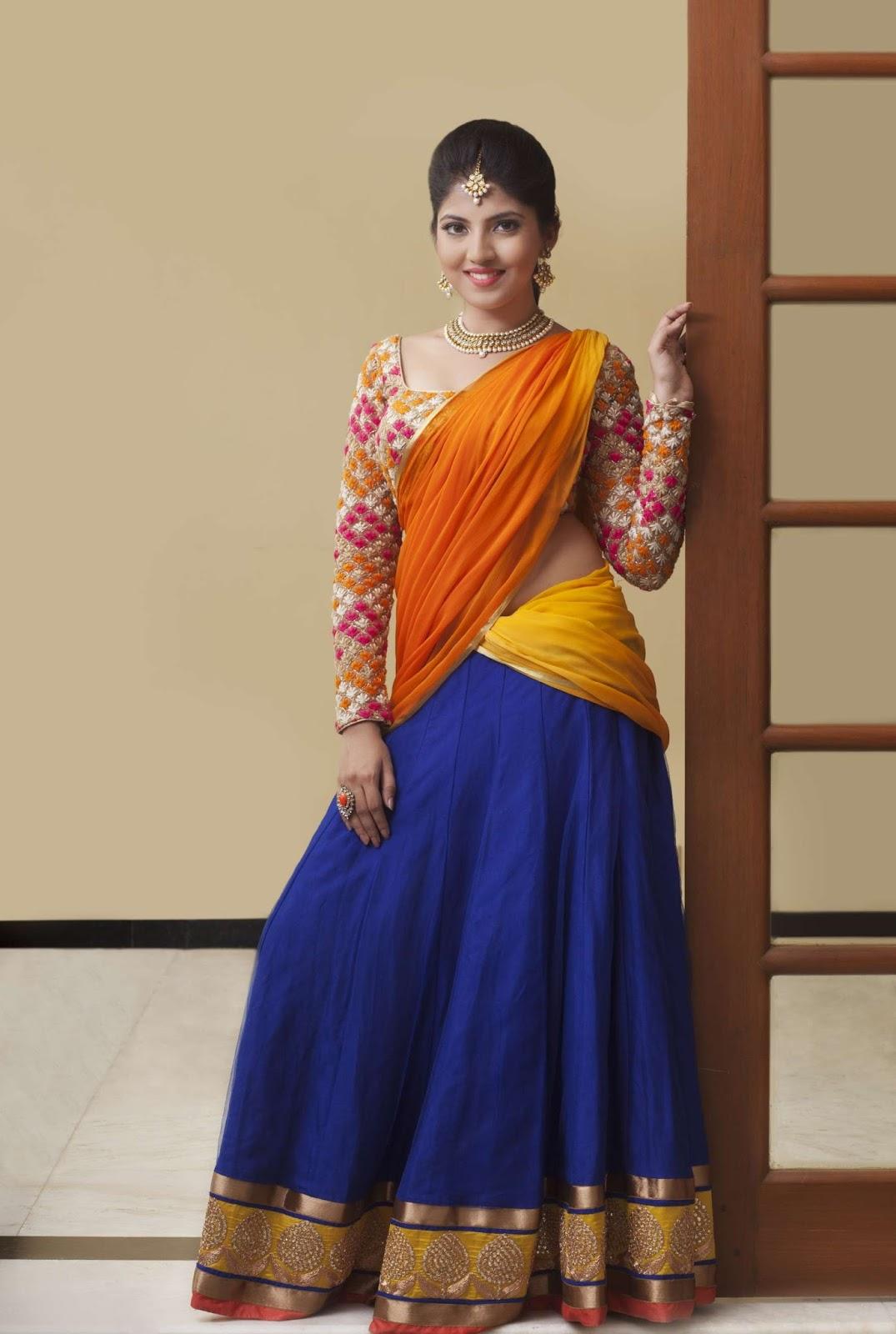 Anaswara kumar half saree photoshoot pics