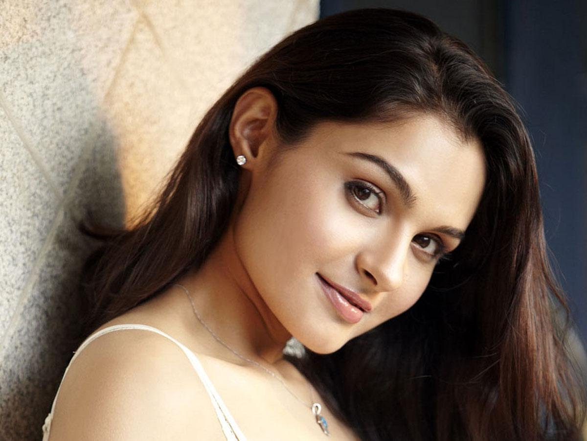 Andrea jeremiah face wallpapers