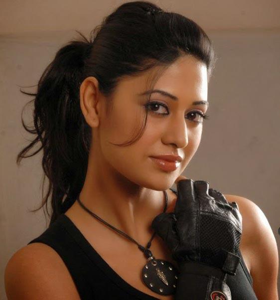Ashima bhalla cute pictures