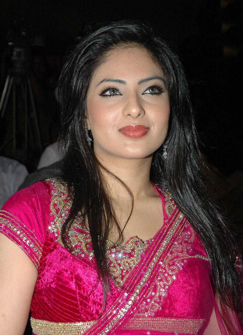 Ashima bhalla saree photos