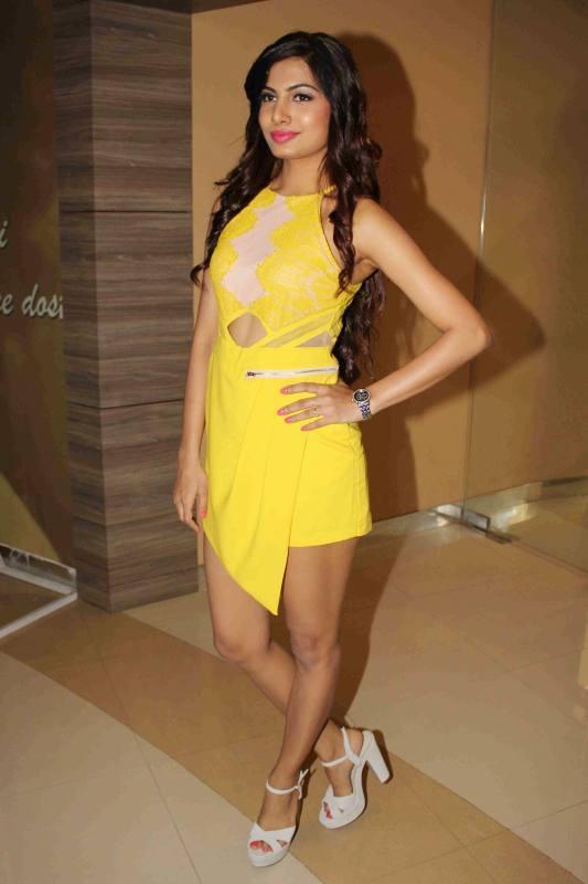 Avani modi yellow dress pictures