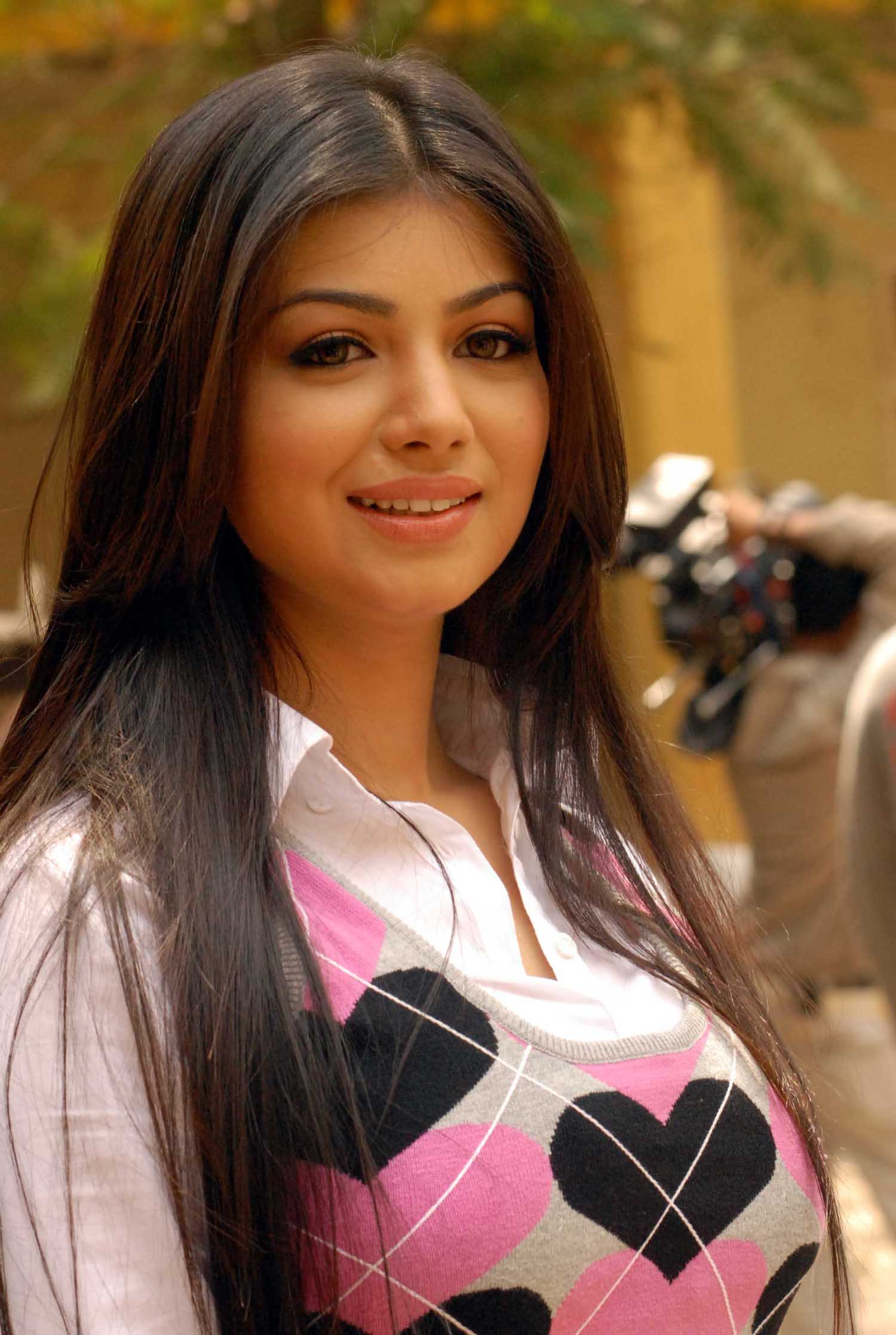 Ayesha takia face pictures