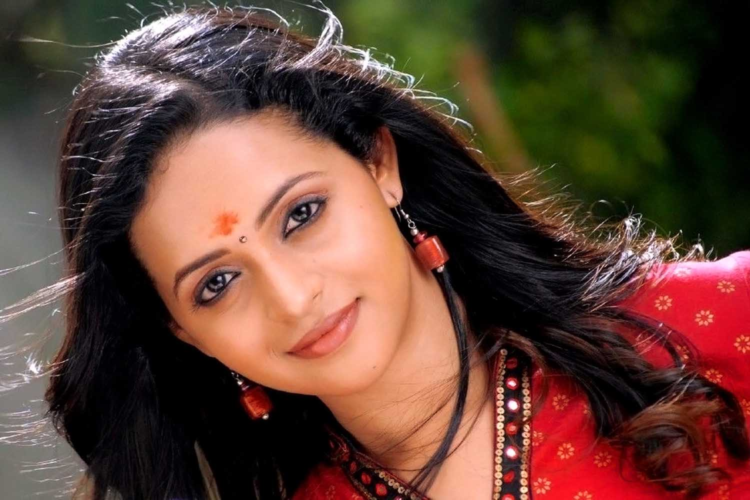 Bhavana desktop hd wallpapers
