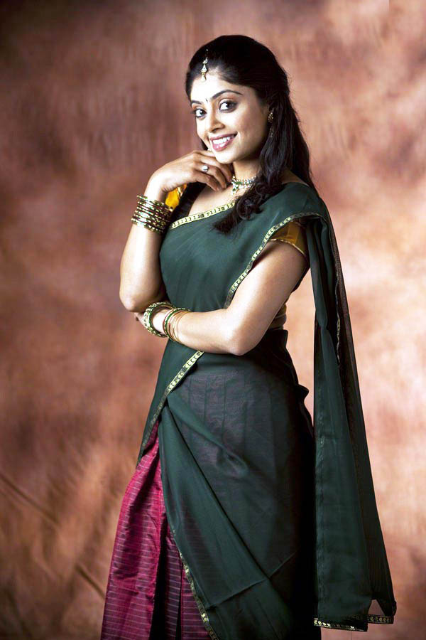 Bhavana rao half saree pictures