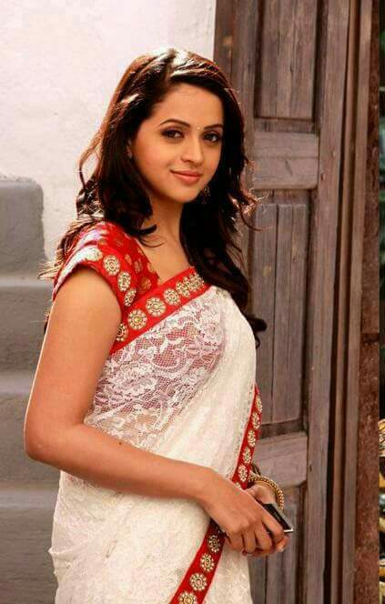 Bhavana saree cute images