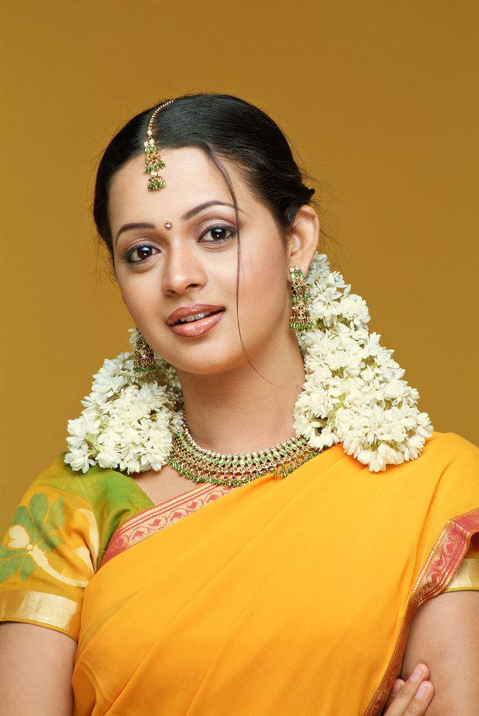 Bhavana yellow saree photos
