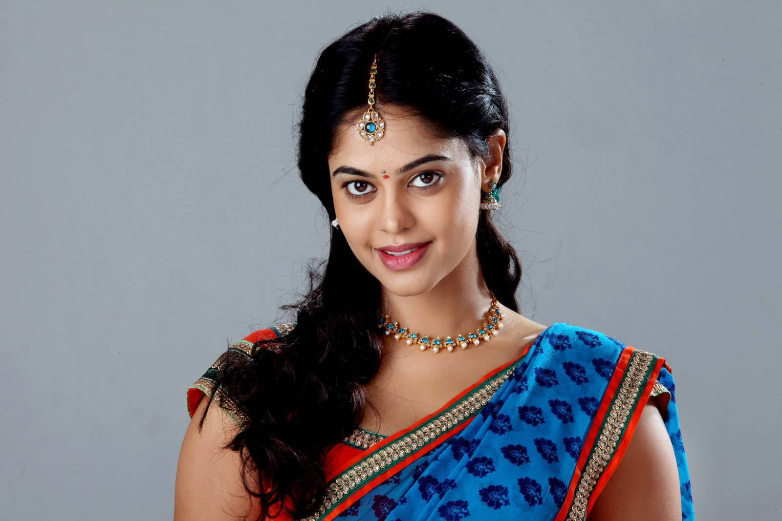 Bindu madhavi saree face gallery