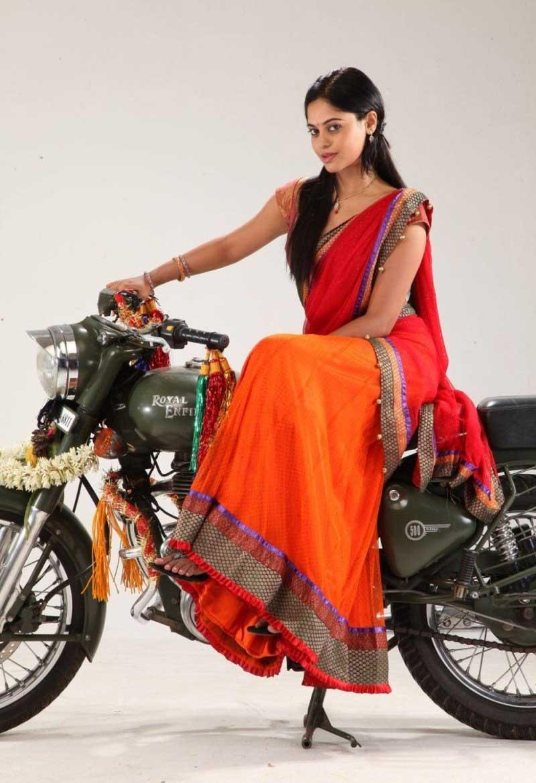 Bindu madhavi saree photoshoot photos