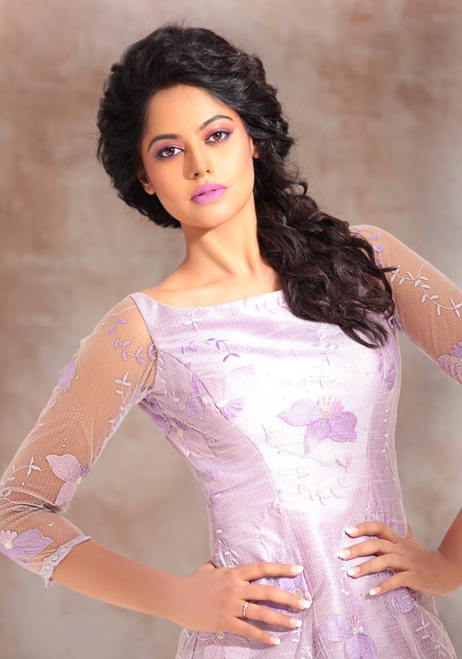 Bindu madhavi white dress pics