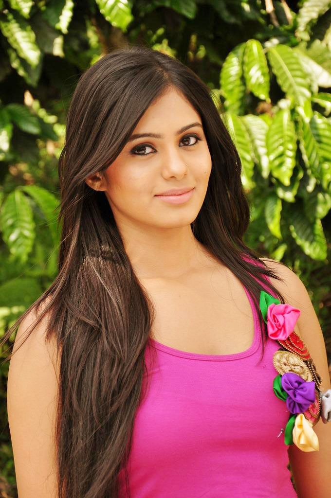 Deepa sannidhi face pictures