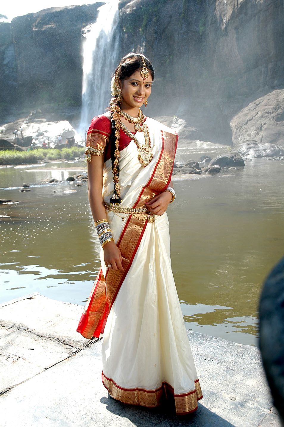 Deepa sannidhi saree full photos