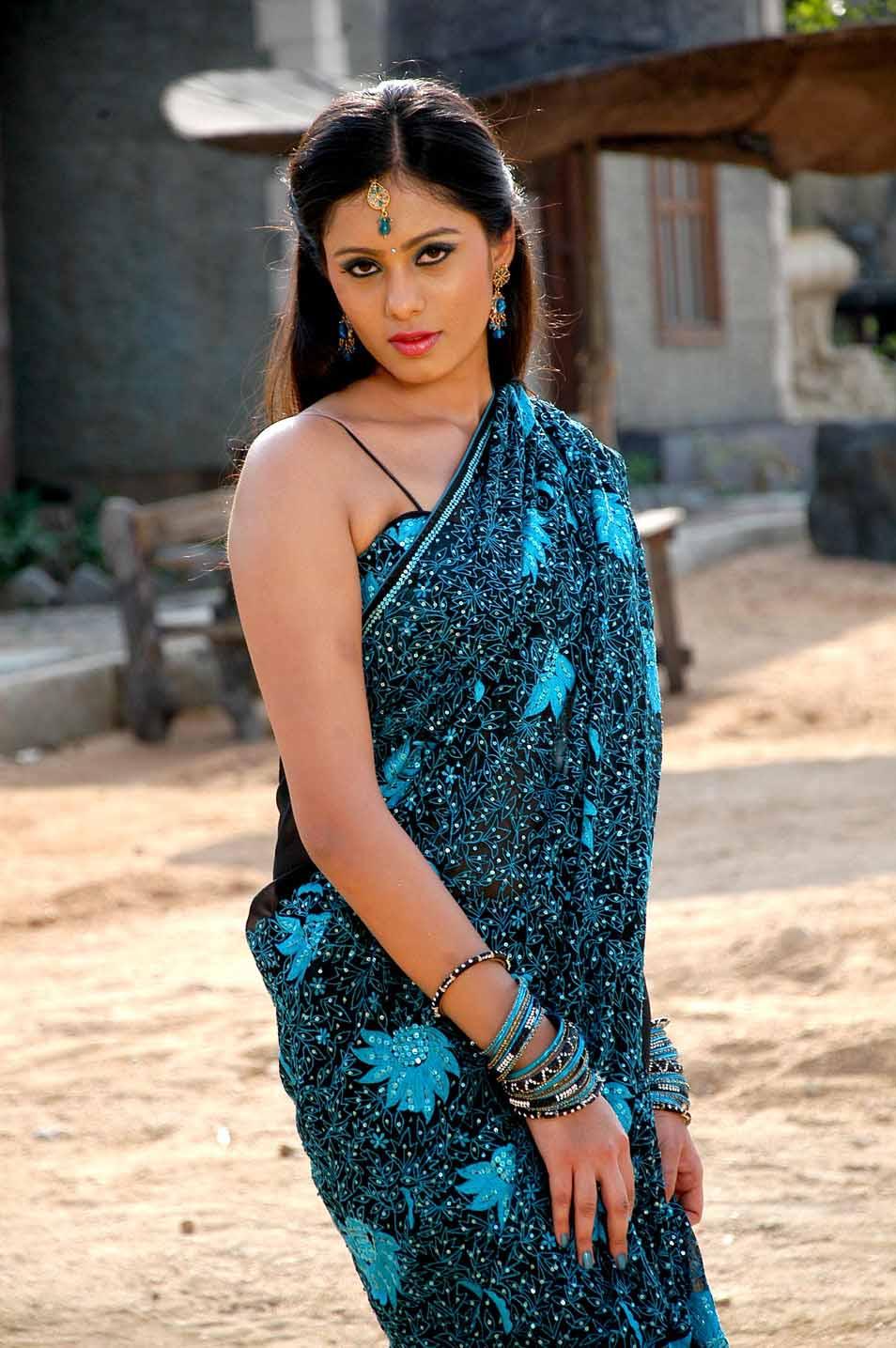 Deepa sannidhi saree photos