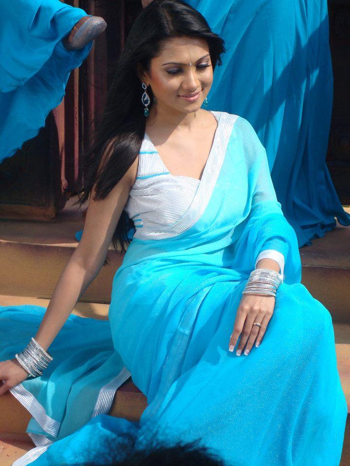 Deepika kamaiah saree pics