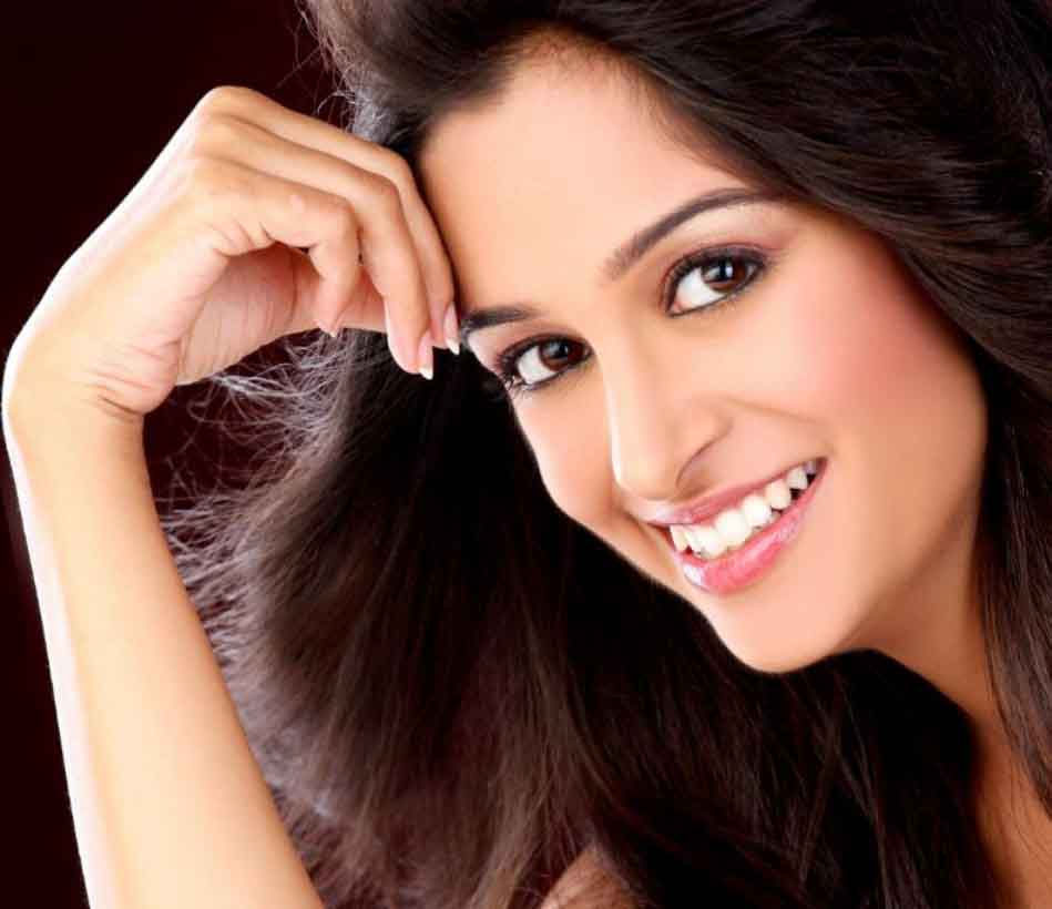 Deepika samson face gallery
