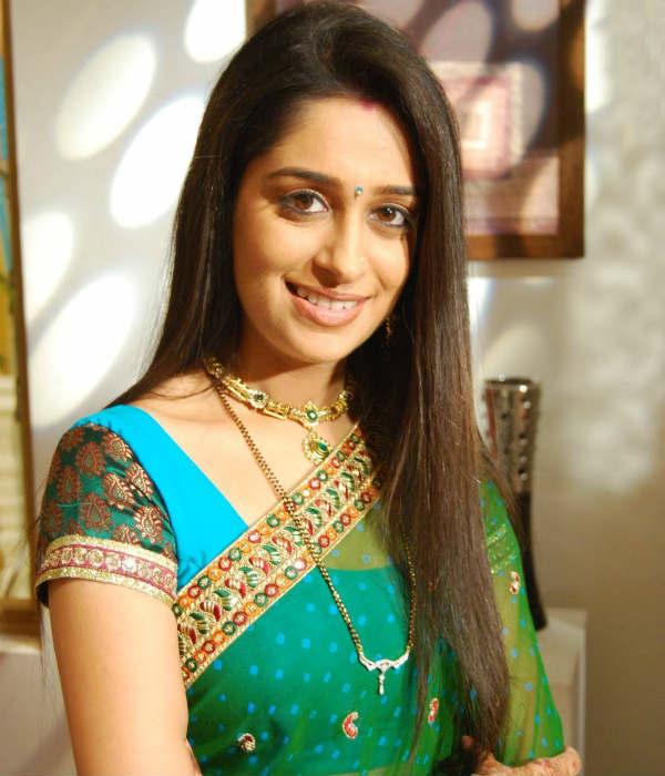 Deepika samson green saree photos