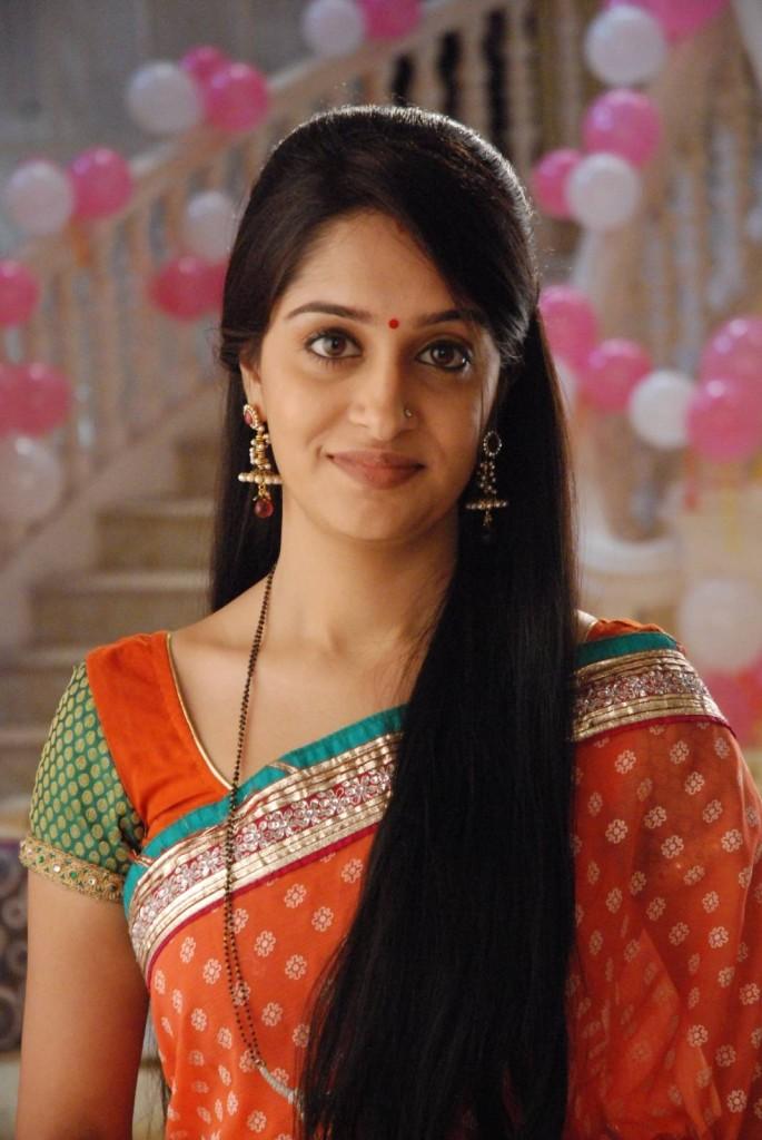 Deepika samson saree cute images