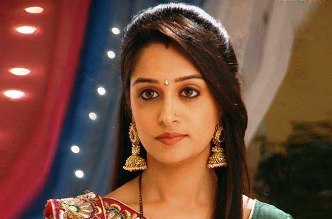 Deepika samson saree face photos