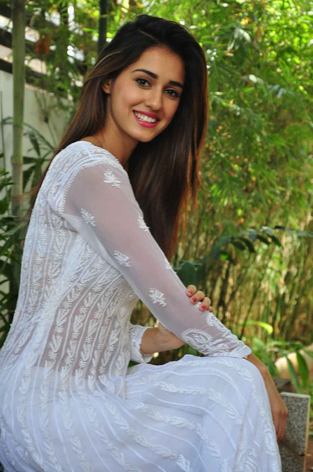 Disha patani white dress photos